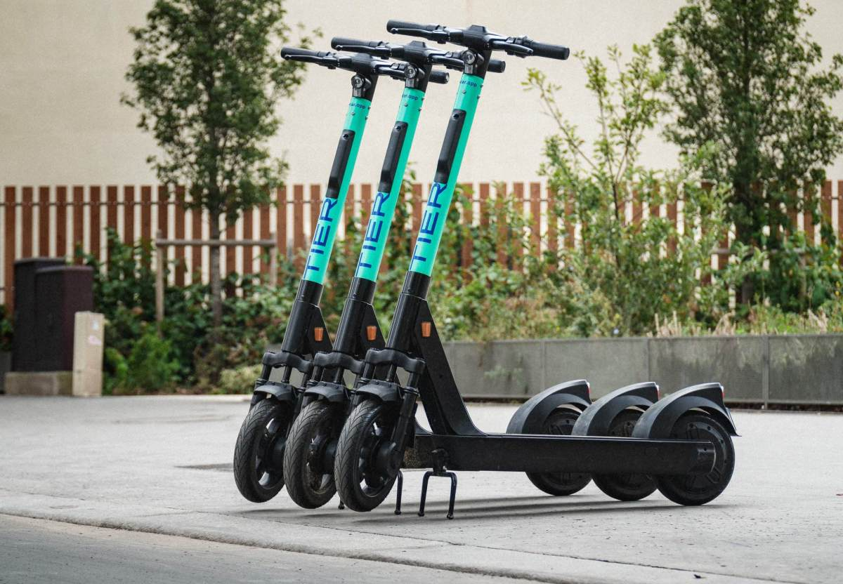 TIER Launches Innovative and Climate-Neutral E-scooter Service in Dubai After Being Selected by RTA