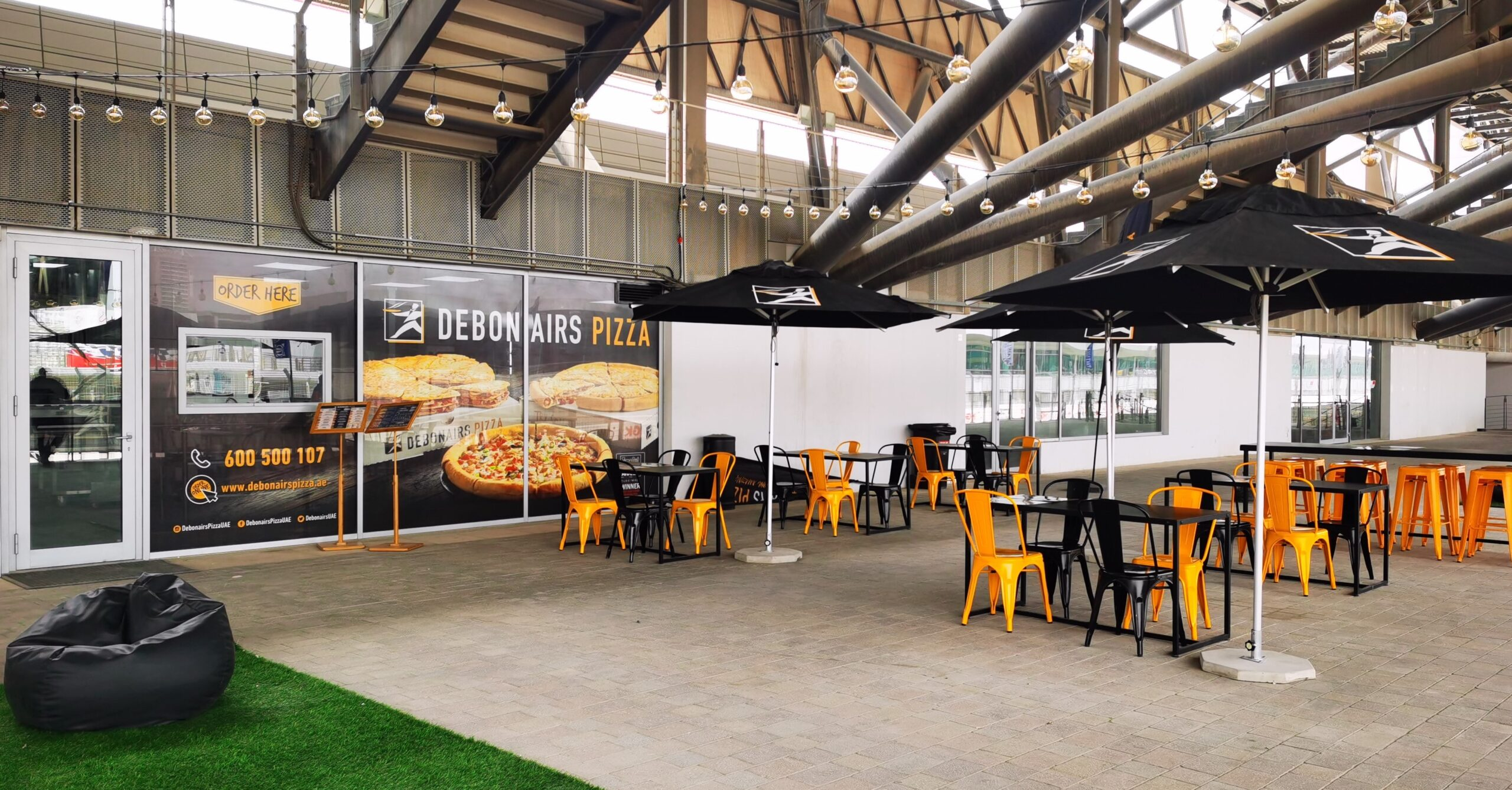 Debonairs Pizza Launches Fourth Location in Motor City